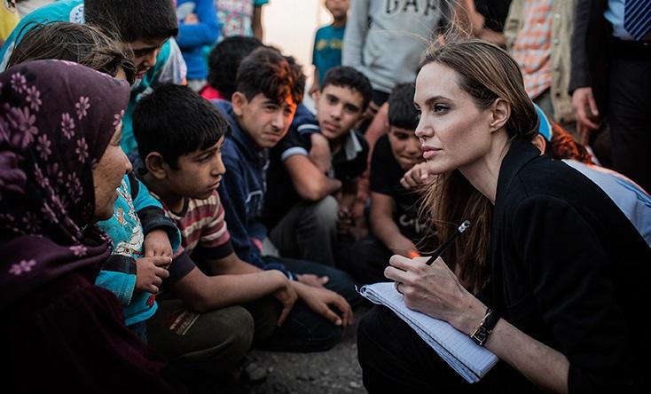 Angelina Jolie: Chúng ta không thể lánh mình khỏi nỗi đau của đồng loại (Nguyễn Hoài Anh)
