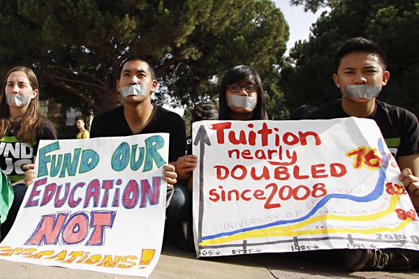 Học phí tăng vọt làm nhiều sinh viên bị thiếu ăn