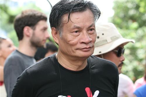 Công an câu lưu Ts Nguyễn Quang A tại phi trường và hành hung người nhà đi đón