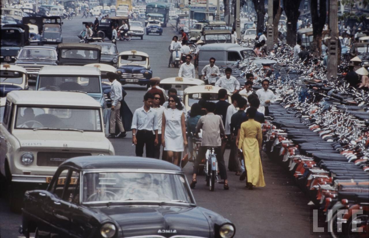Sài Gòn vẫn vượt trội Hà Nội sau 4 thập niên bị cưỡng chiếm và tận thu