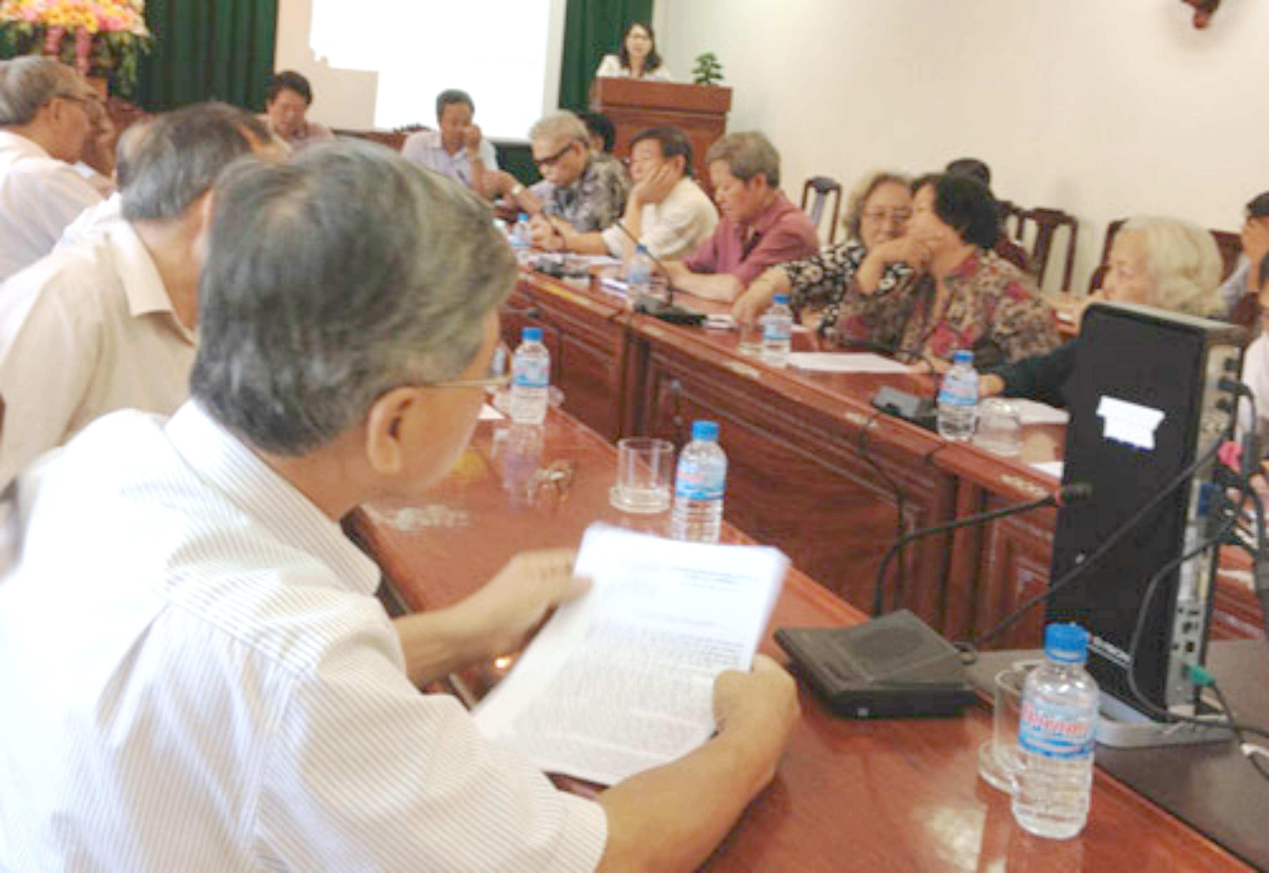 Họp đại biểu quốc hội Phú Yên: cãi nhau vì lãnh đạo chỉ lo quyền lợi gia đình