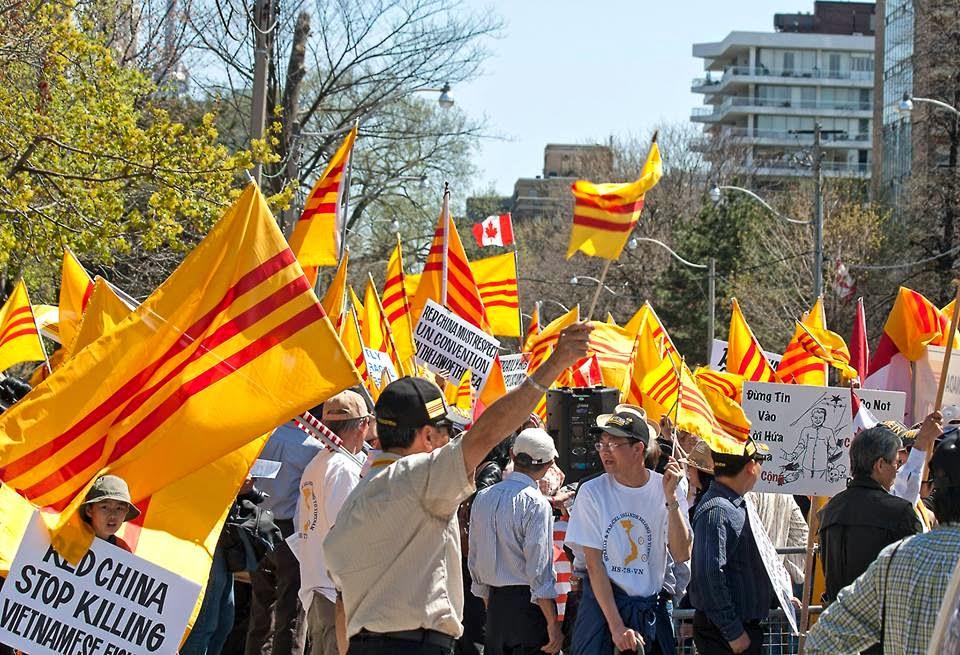 Thỉnh nguyện thư của cộng đồng Ottawa (Canada) phản đối việc treo cờ đỏ CSVN