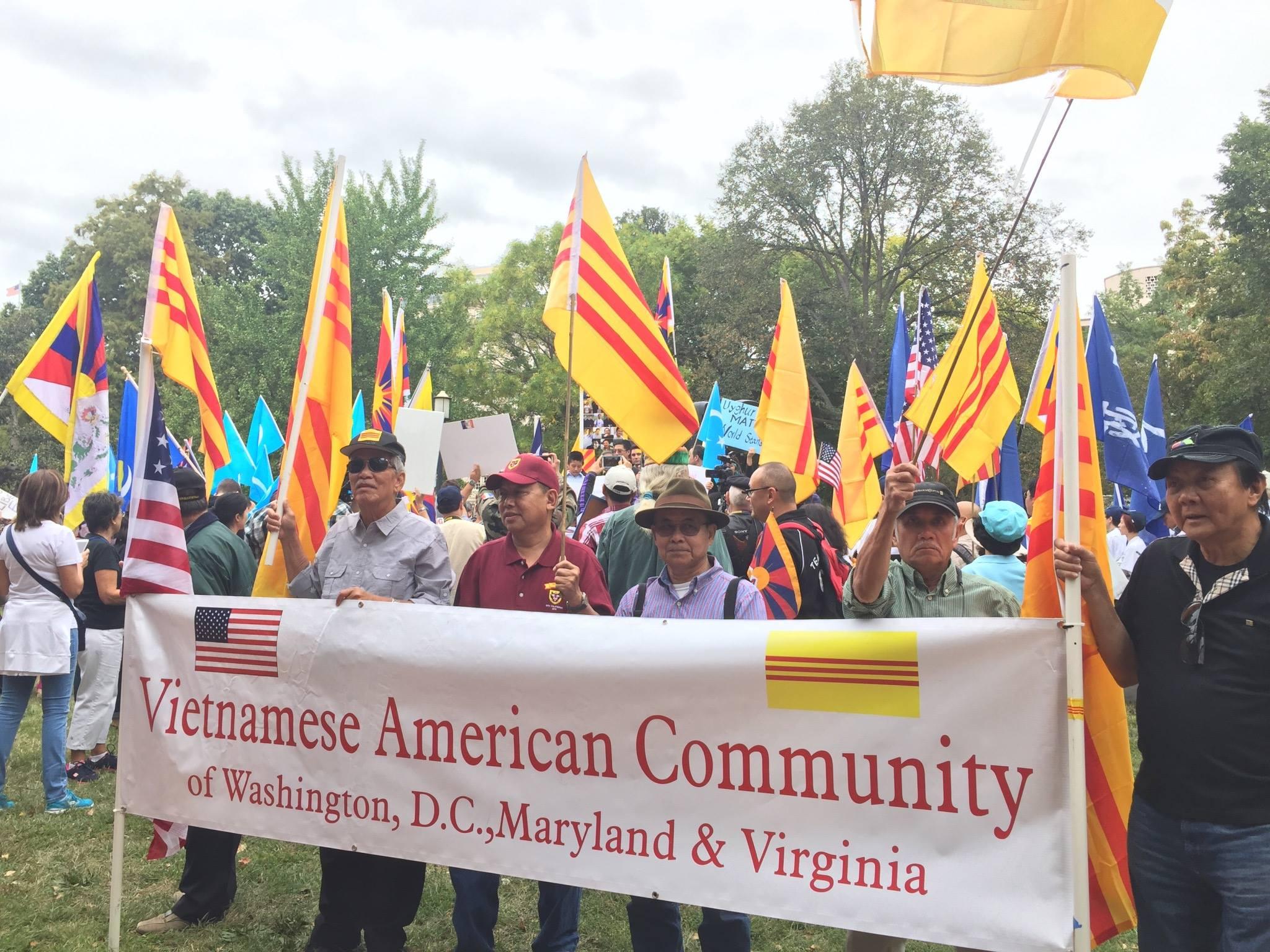 Cộng đồng Việt đồng hành với các cộng đồng bạn biểu tình chống Tập Cận Bình