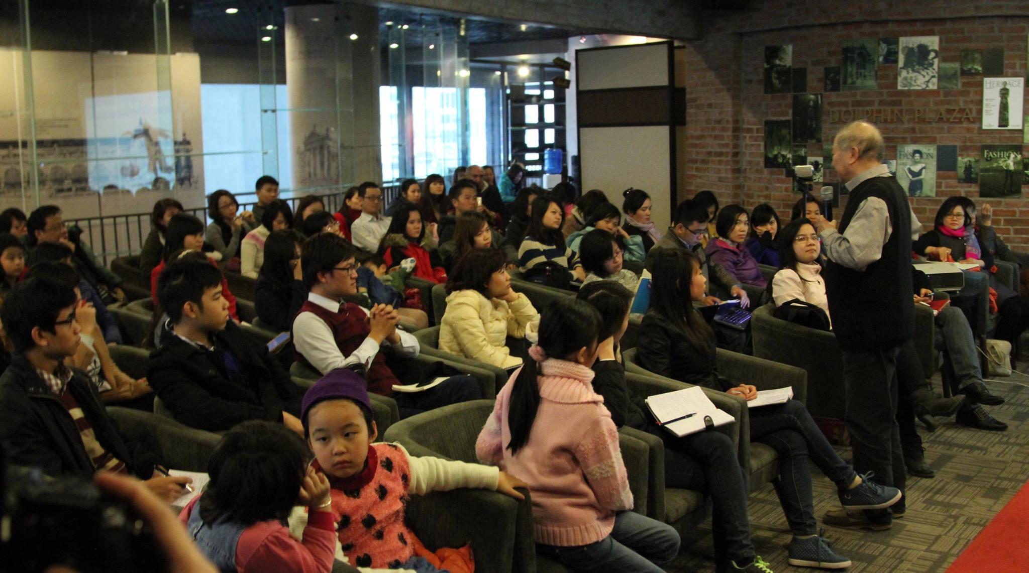 """Hội thảo """"Tổ chức con đường học văn cho trẻ em"""" tại Sài Gòn"""