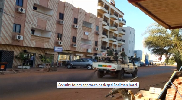 10 tay súng tấn công khách sạn Mali