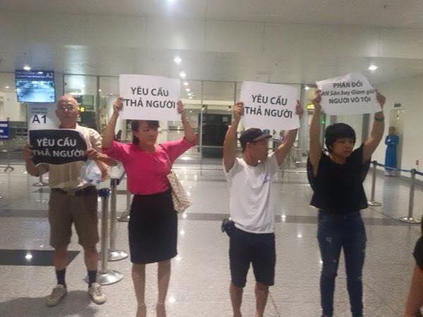 Công an sân bay Nội Bài hành hung nhà hoạt động dân chủ