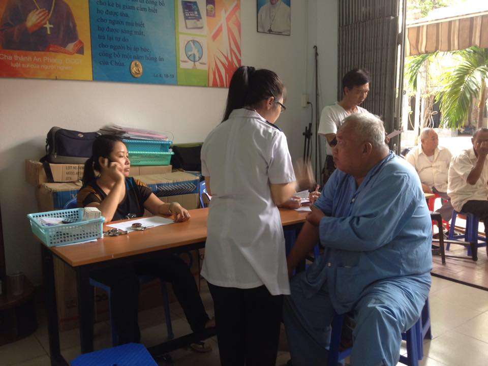 Dòng Chúa Cứu Thế Sài Gòn tái khám sức khoẻ cho các TPB VNCH