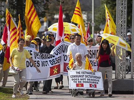 Thông báo của Cộng Đồng Người Việt Tị Nạn Sacramento về biểu tình chống phái đoàn CSVN