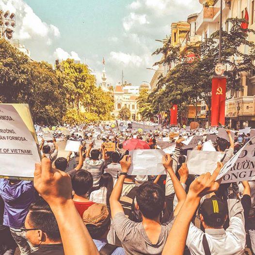 Không có cờ đỏ trong cuộc biểu tình ngày 1/5