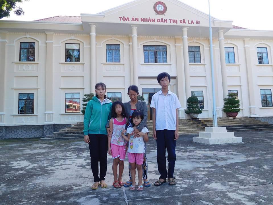 Tòa án Bình Thuận giữ nguyên án tù những người tổ chức vượt biên sang Úc