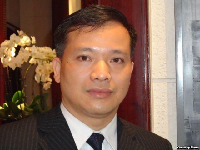 """""""Côn đồ"""" tấn công nhà riêng của Luật sư Nguyễn Văn Đài"""