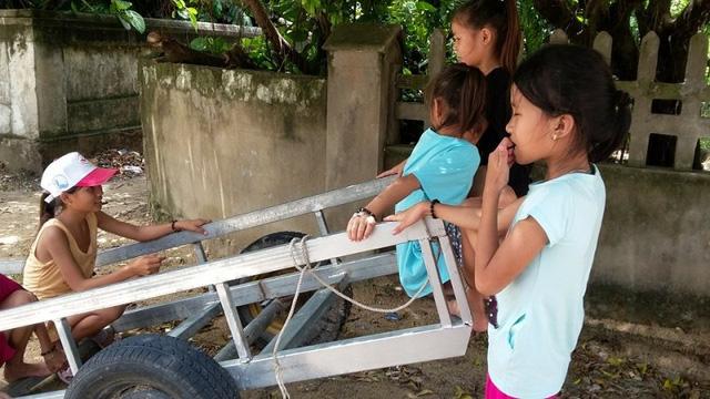 Không có tiền đóng học phí, gần 1,000 học sinh Kỳ Hà- Hà Tĩnh chưa thể đến trường