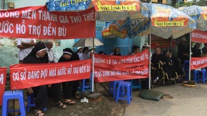 Các sơ tiếp tục đấu tranh dù đã ngưng tháo dỡ cơ sở Dòng Mến Thánh Giá Thủ Thiêm