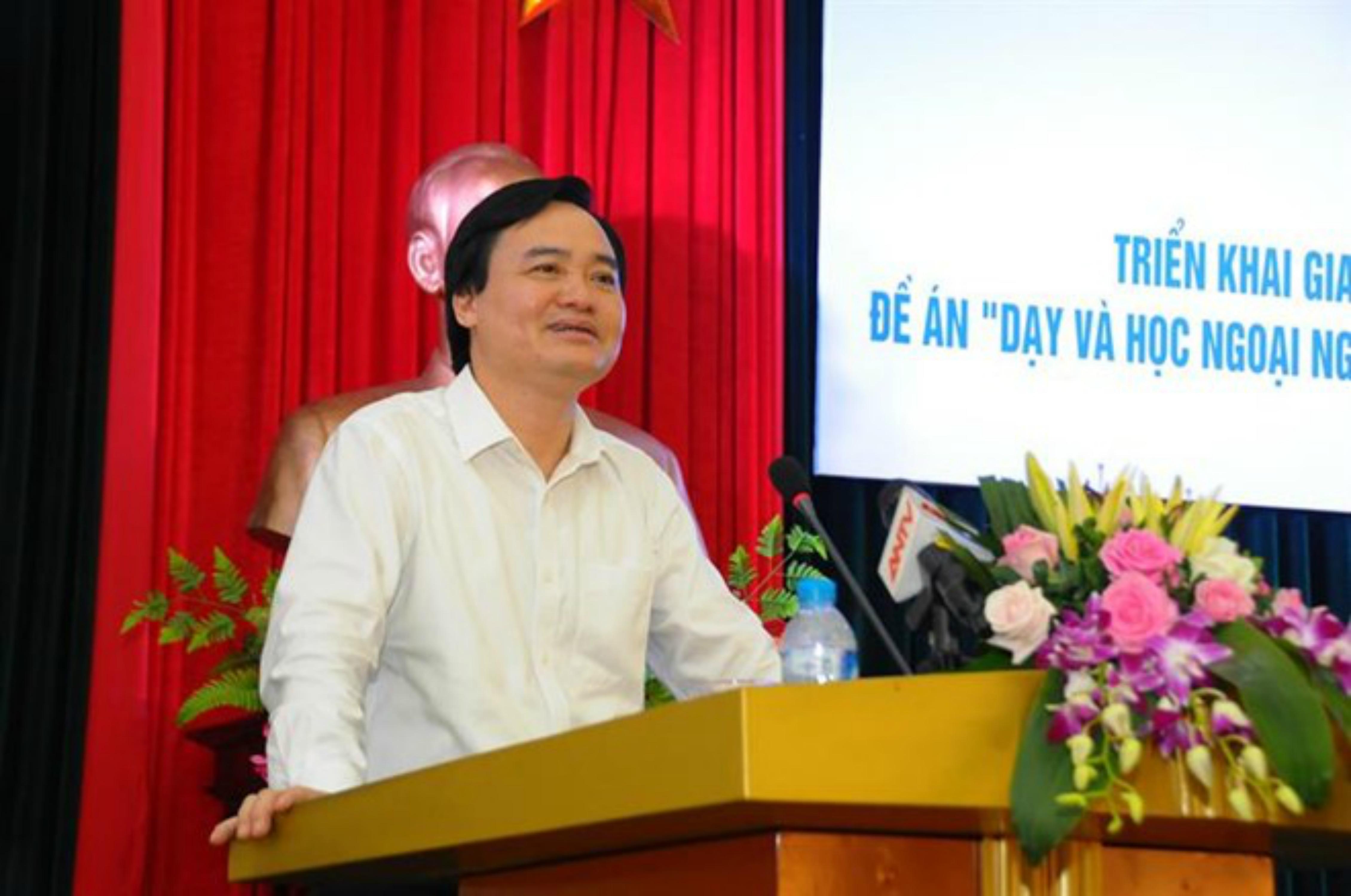 Học trò Việt Nam sẽ được học với thầy cô giáo Trung Cộng?