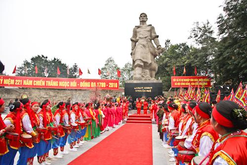 Xót xa chuyện dân mình học sử (Cao Huy Huân)