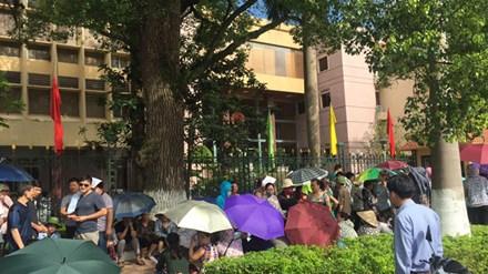 Tiểu thương Đồng Đăng bãi thị phản đối chính quyền