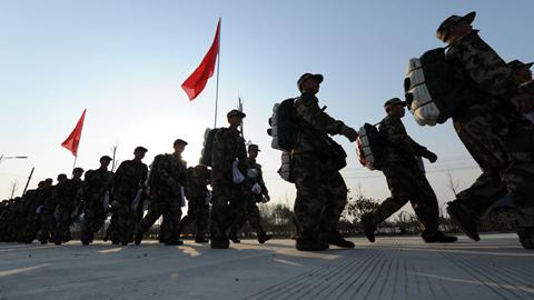 Trung Cộng áp sát quân biên giới Việt Nam