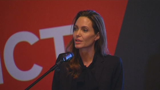 Ngoại trưởng Anh và Diễn viên Jolie mở hội nghị ở thủ đô Sarajevo