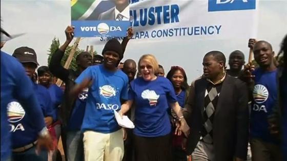 Thế hệ trẻ Nam Phi tranh đấu cải cách quốc gia