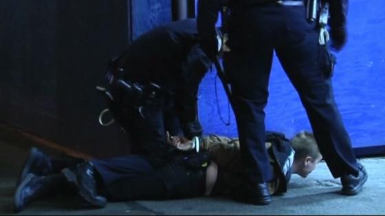 Chiến dịch Twitter của cảnh sát New York phản tác dụng với hàng ngàn Tweet tiêu cực