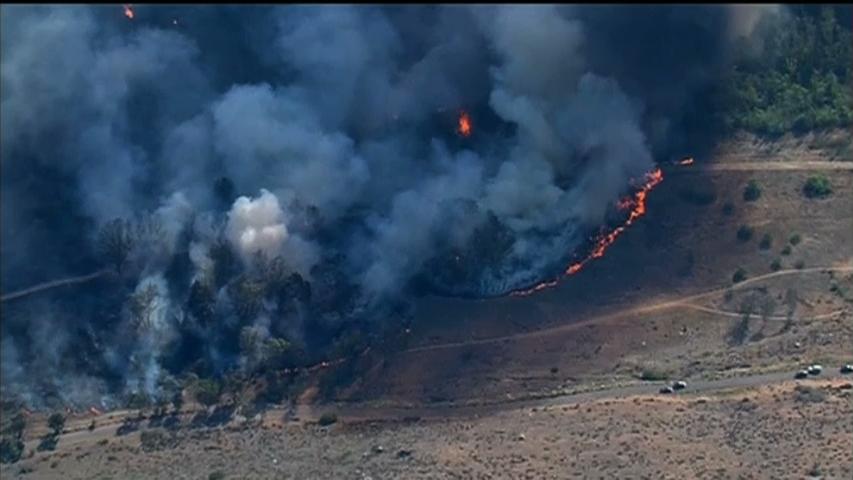 Cháy rừng ở San Diego, California, hàng chục ngàn người phải di tản