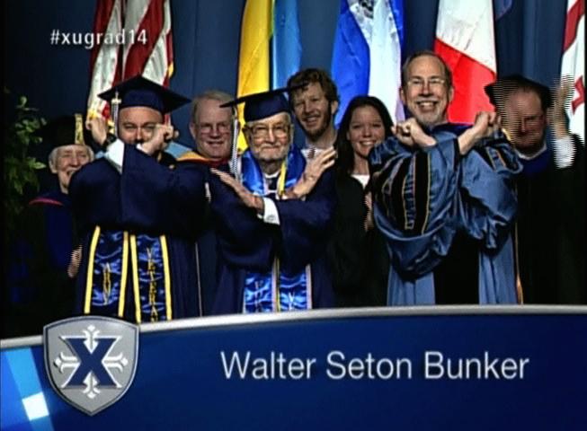 Cựu chiến binh đệ nhị thế chiến 90 tuổi nhận bằng tốt nghiệp đại học