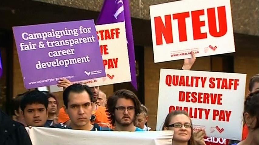 Sinh viên Úc biểu tình phản đối cắt giảm ngân sách giáo dục