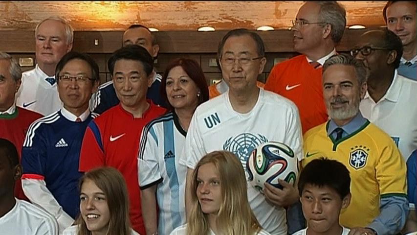 Các đại sứ tại Liên Hiệp Quốc khuấy động tinh thần World Cup 2014