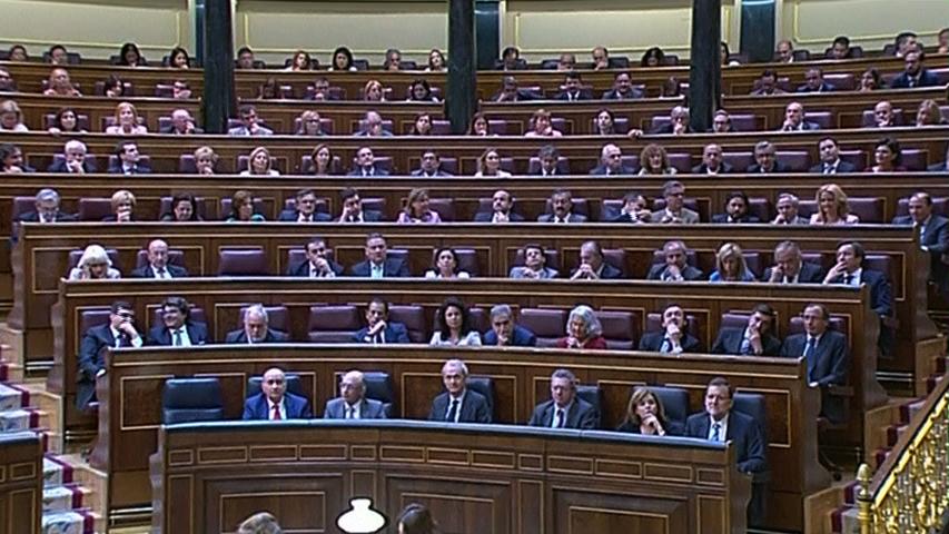 Quốc hội Tây Ban Nha chấp thuận Quốc vương thoái vị