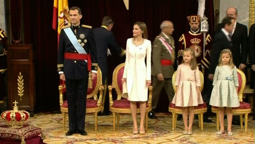 Vua Felipe Đệ Lục tới Quốc hội Tây Ban Nha tuyên thệ