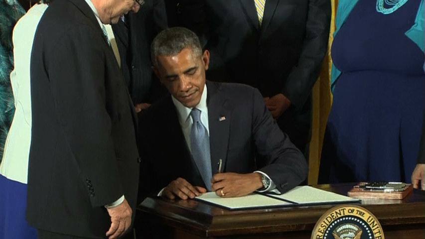 Tổng thống Obama ký sắc lệnh cấm liên bang đối xử phân biệt người đồng tính