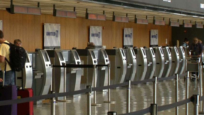 Bộ trưởng giao thông vận tải nói hài lòng sau khi dỡ bỏ lệnh cấm bay tới Tel Aviv