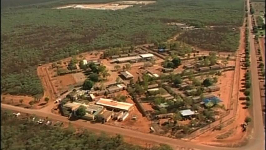 Úc đưa 157 người Sri Lanka giam giữ trên biển vào đất liền