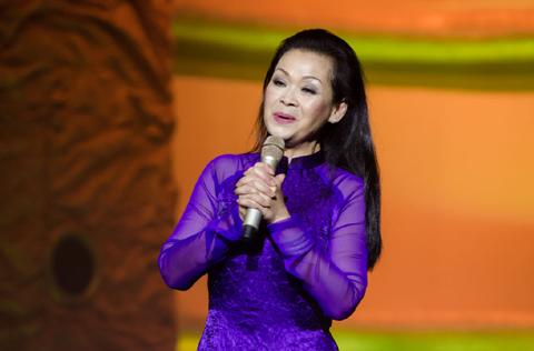 Ca sĩ Khánh Ly bị gây khó trong lần biểu diễn thứ hai ở Hà Nội