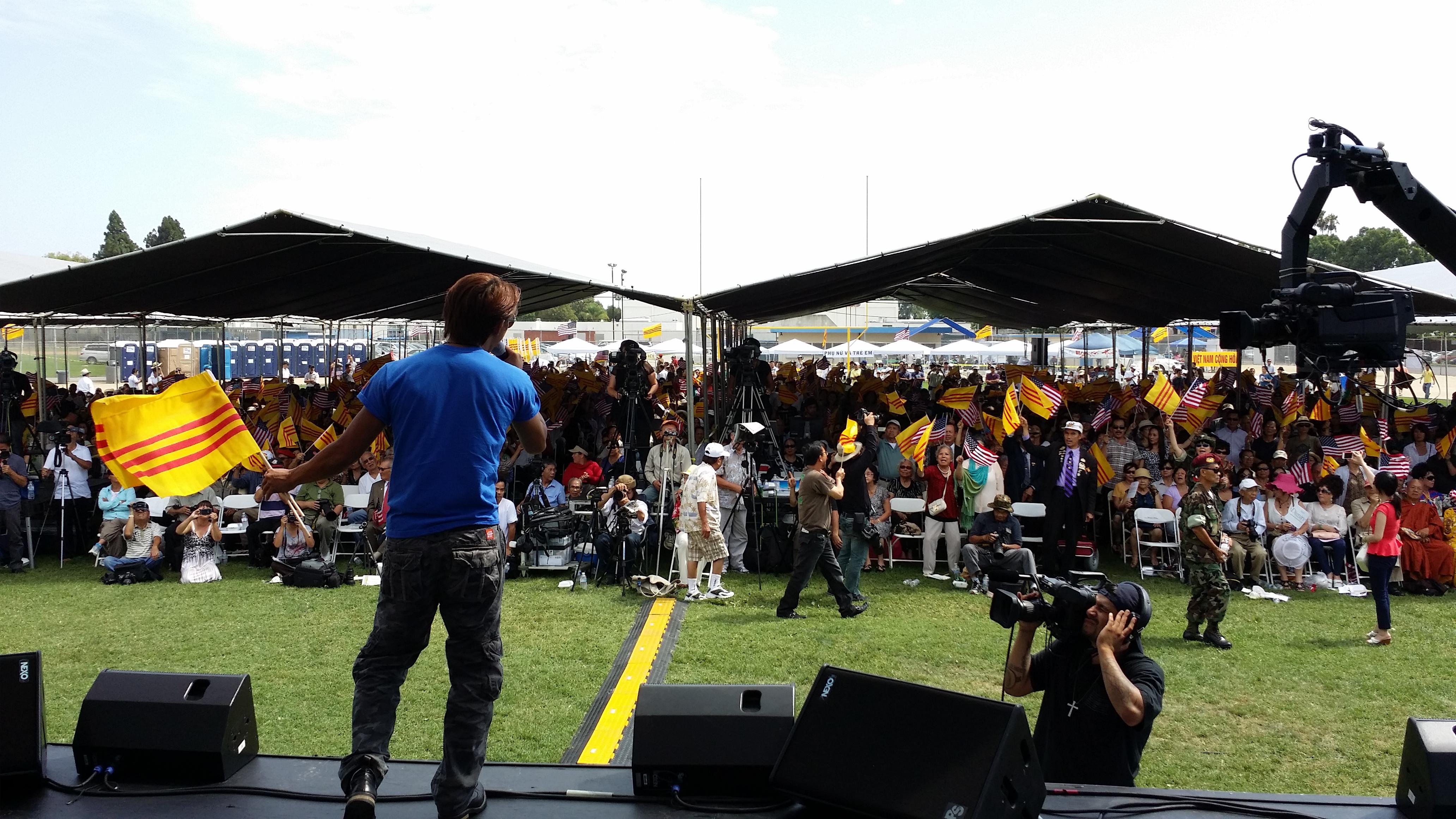 Đông đảo đồng hương tham dự Đại nhạc hội Cám Ơn Anh kỳ 8