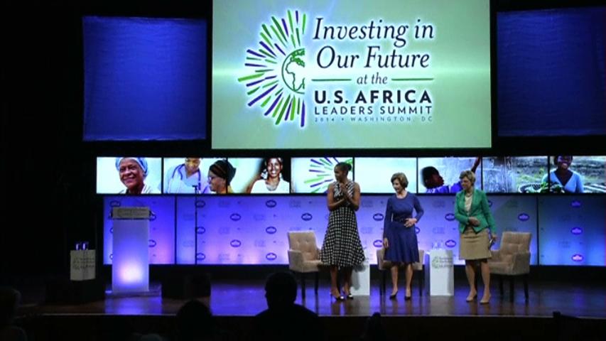 Michelle Obama và Laura Bush thúc đẩy giáo dục phụ nữ