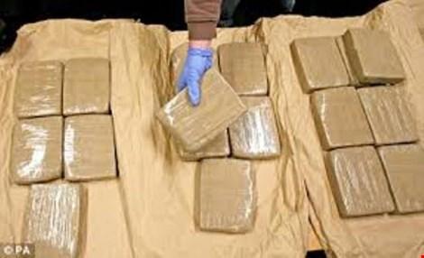 Úc kết án tổng cộng 32 năm cho 3 người đàn ông Việt buôn bán ma túy