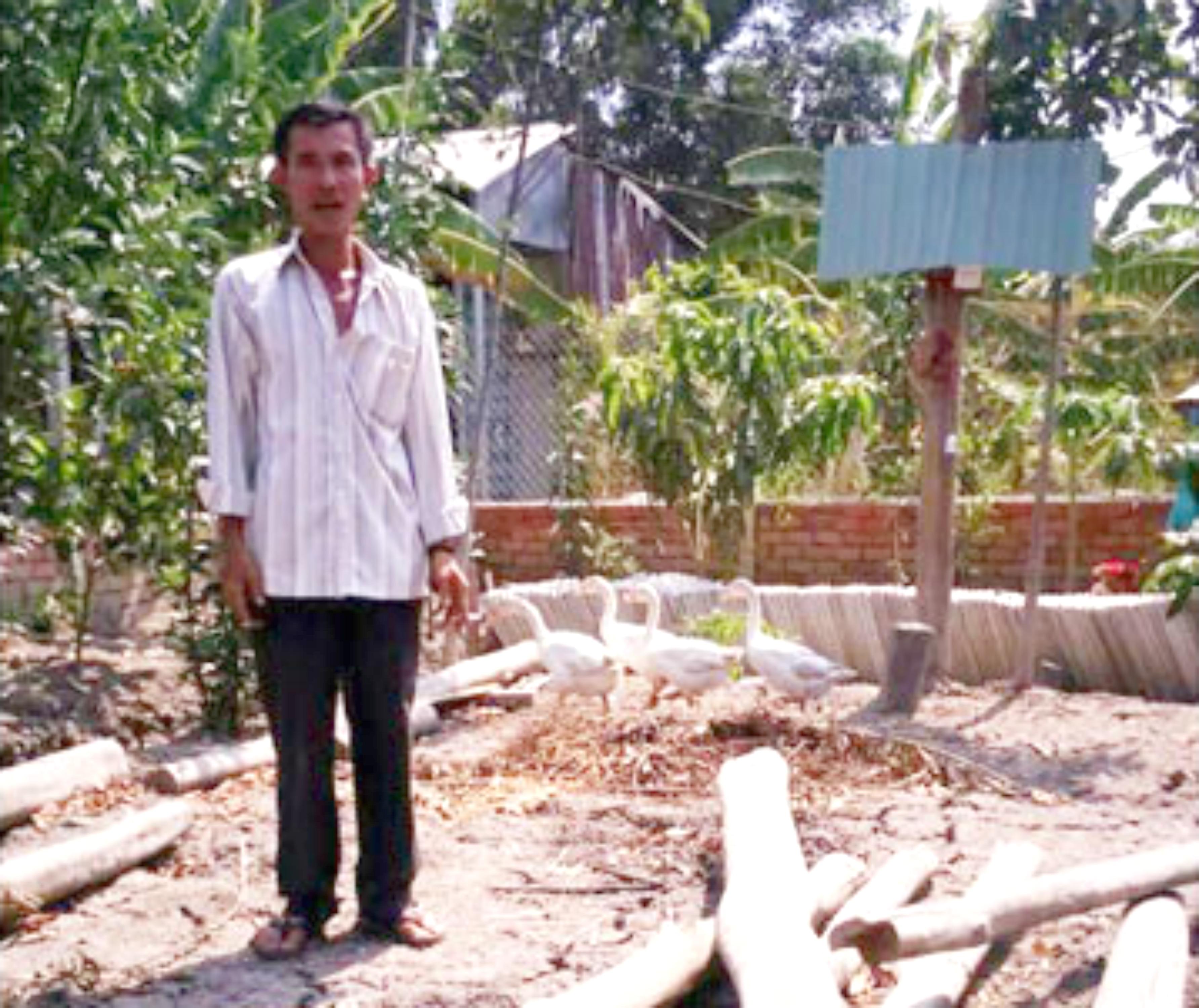 Một người dân bị khởi tố hình sự vì dựng chòi nuôi vịt