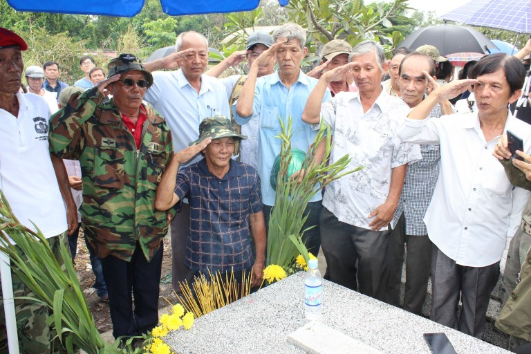Lễ giỗ 53 năm cố Tổng Thống Ngô Đình Diệm tại mộ phần ông ở Lái Thiêu