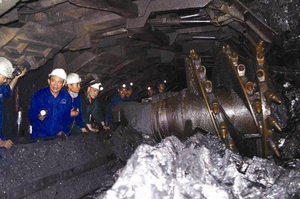 Hàng ngàn công nhân ngành than đứng trước nguy cơ thất nghiệp