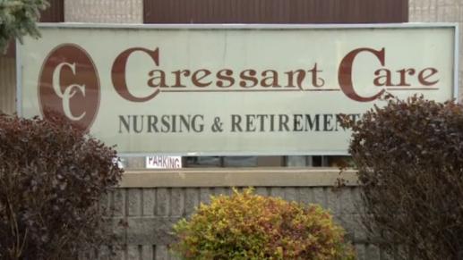 Ý tá bị buộc tội đâm chết 8 người già ở 2 viện dưỡng lão Canada