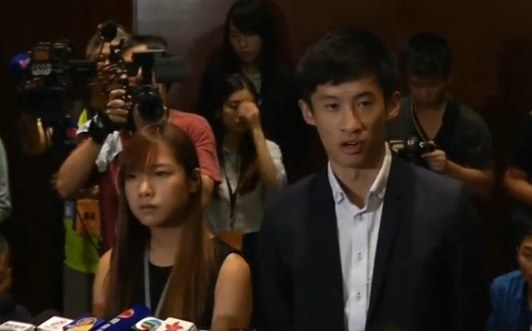 Náo loạn ở hội trường của Hội Đồng Lập Pháp Hồng Kông