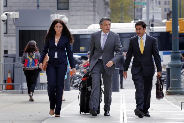 Cựu giám đốc quảng cáo thể thao nhận tội hối lộ FIFA