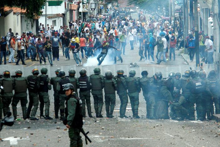 Người dân Venezuela biểu tình chống Tổng Thống Maduro