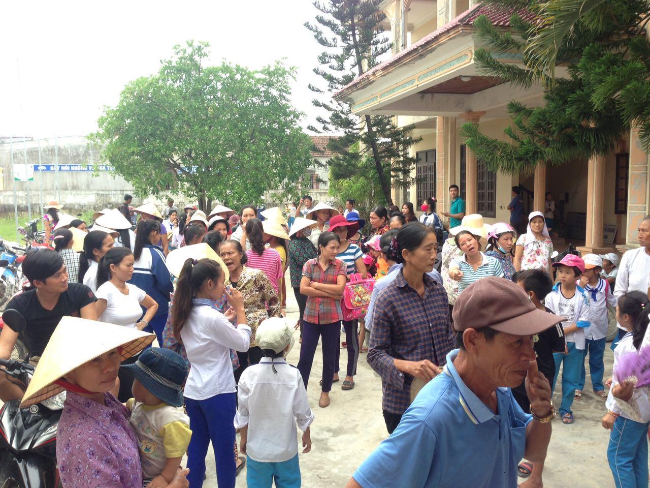 Giáo dân Phú Yên biểu tình vì uỷ ban xã không xác nhận đơn kiện Formosa