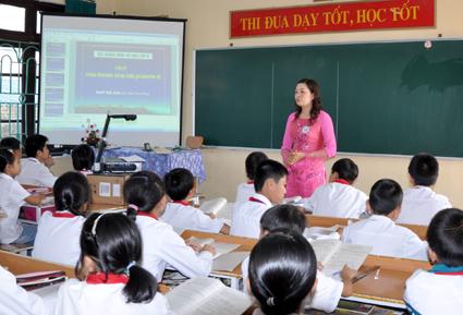 Một học sinh lớp 6 ở Sóc Trăng bị trả về… lớp 1 vì không biết đọc biết viết!