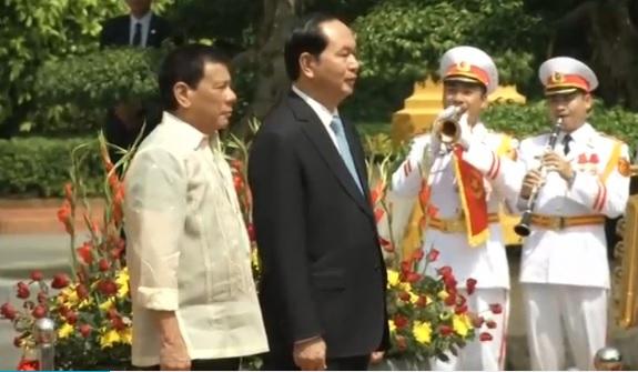 Bộ Ngoại Giao Philippines đính chính tuyên bố tại Hà Nội của Tổng Thống Duterte