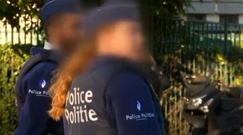 2 cảnh sát Brussels bị đâm trong một vụ tấn công tình nghi là khủng bố