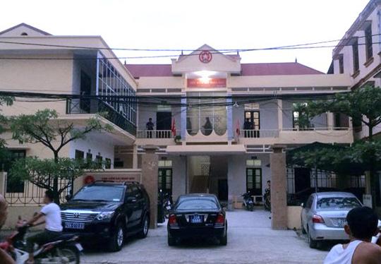 Viện trưởng viện kiểm sát huyện khai tự gây thương tích
