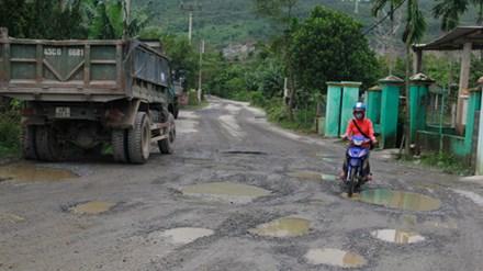 Mỏ khai thác đá ở Đà Nẵng làm đời sống nông dân khốn cùng